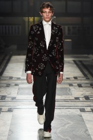 Alexander McQueen Sarah Burton AW16 LCM Collection