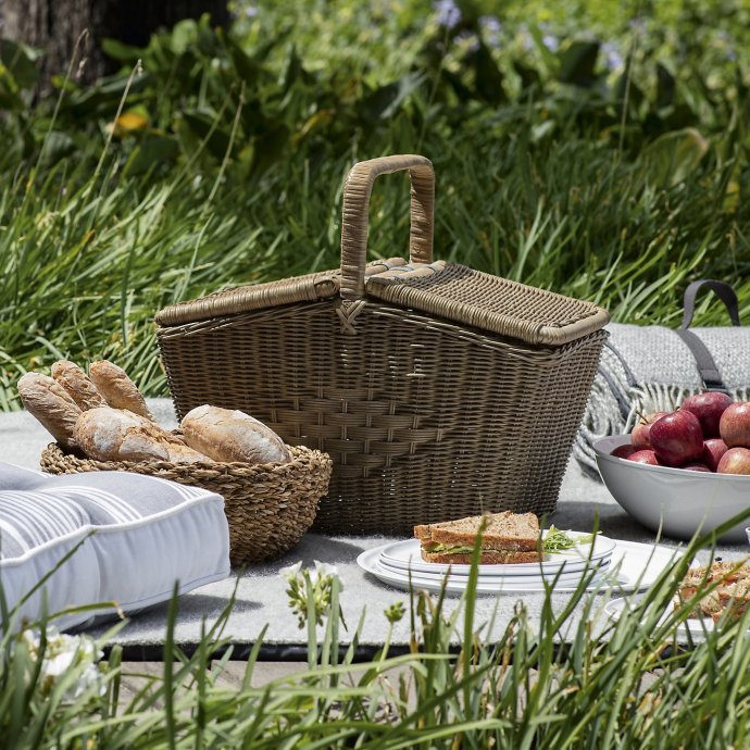 The White Company Picnic Spring Summer ideas