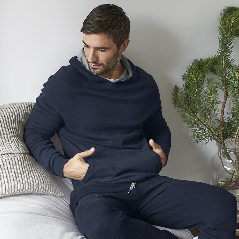 The White Company Mens Menswear Clothes Clothing Fashion Luxury Christmas Xmas Present Gifts Gifting Cashmere Wool Socks Cardigan Robe Dressing Gown Blog Blogger Lifestyle Mens Boyinbreton.com Boyinbreton Boy in Breton Jersey Loopback Zip-thru Sweatshirt Joggers Chunky Cashmere Cardigan Joggers Merino Wool Henley Pyjamas Window pane Hoodie