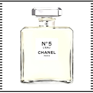 Chanel L'eau No 5 Paris Fragrance Perfume her for her accessories fashion clothes clothing gift guide for him christmas guide presents gifts ideas 2016 mens menswear men's lifestyle fashion technology best top blog blogger blogging boyinbreton.com boy in breton