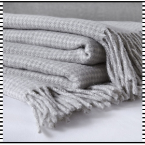The White Company Wool Dogstooth grey Throw Home Blanket gift guide for her accessories fashion clothes clothing gift guide for him christmas guide presents gifts ideas 2016 mens menswear men's lifestyle fashion technology best top blog blogger blogging boyinbreton.com boy in breton